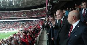 Cumhurbaşkanı Erdoğan, Türkiye-Andorra Millî Maçını İzledi