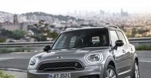 Tamamen Elektrikli MINI Cooper SE Frankfurt'ta Otomobilseverlerle Buluşuyor