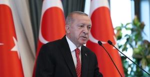 """""""Türkiye, Bölgesindeki Kriz Ve Çalkantılara Rağmen İstikrarını Korumakta, Ekonomik Ve Siyasi Gücünü Arttırmaktadır"""""""