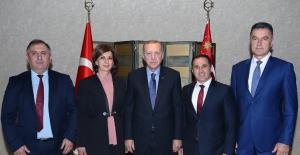 Cumhurbaşkanı Erdoğan, Sırbistan'da Belediye Başkanlarını Kabul Etti