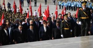 İYİ Parti Genel Başkanı Akşener Devlet Erkanı İle Anıtkabir'de Düzenlenen Törene Katıldı