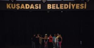 Kuşadası Belediyesi Tiyatrosu'nun Yeni Dönem Kursiyerleri Eğitimlere Başladı