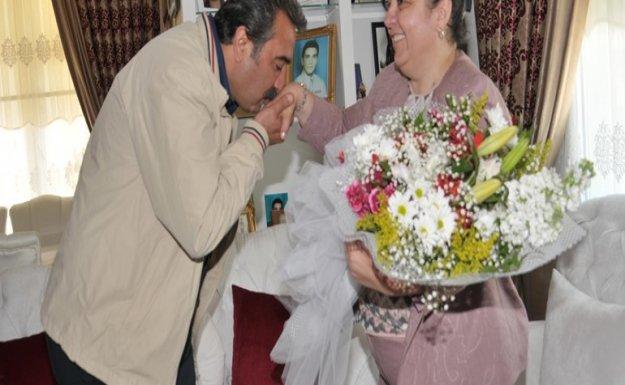 Çukurova Belediye Başkanından Şehit Annelerine Ziyaret