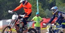 Salonda Motosiklet Yarışı Heyecanı