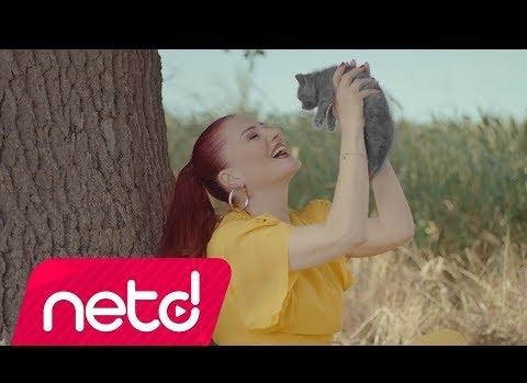 """Candan Erçetin'ten  İkinci Şarkı """"Değişiyoruz"""""""