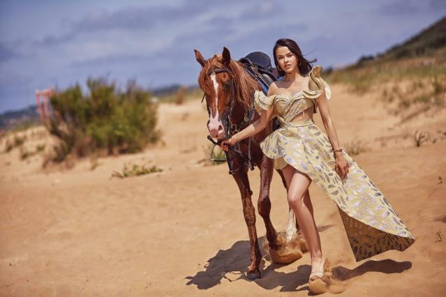 2017 Best Model of World yarışmasında birinci olan Aslıhan Karalar