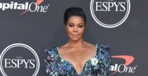 Amerikan şarkıcı, aktris Gabriel Union, 2019 ESPY ödül töreninde Raisa Vanessa tasarımı giydi