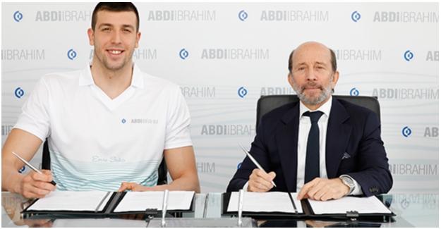 Milli Yüzücü Emre Sakcı'ya; Abdi İbrahim'den Olimpik Destek