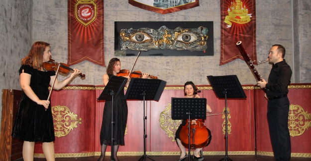 Şatoda Müzik Konserleri Online Olarak Sanatseverlerle Buluşuyor