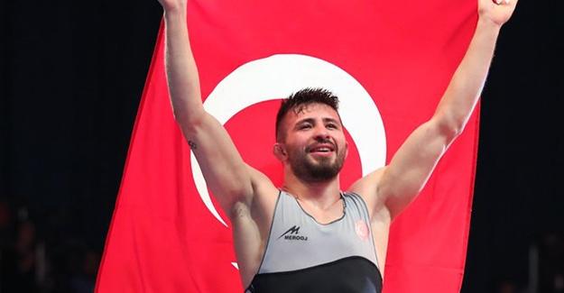 Süleyman Atlı, Avrupa Güreş Şampiyonası'nda Altın Madalya Kazandı