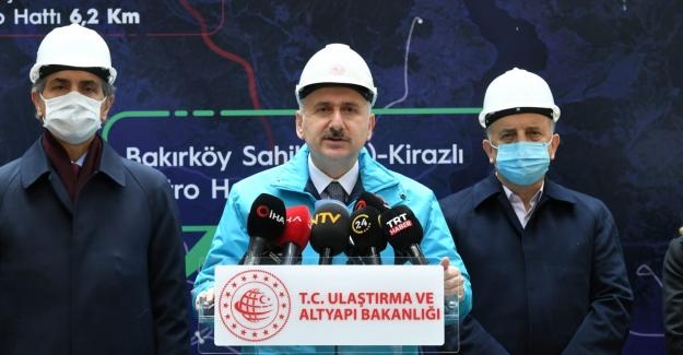 """Bakan Karaismailoğlu: """"Saatte Tek Yönde 70 Bin Yolcu Kapasitesine Ulaşacak"""""""