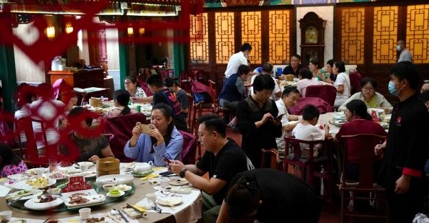 Çin'de Yemek İsraf Edenler Ve Aşırı Gıda Tüketimini Teşvik Edenlere Ceza Verilecek