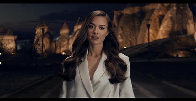 Clear, Bensu Soral İle Yeni Reklam Filmini Yayınladı