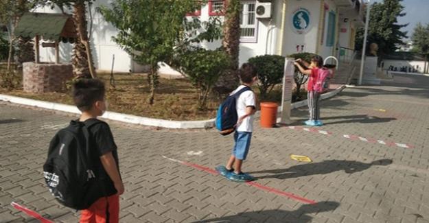 İlkokullarda Tüm Sınıf Düzeylerinde Tam Zamanlı Uzaktan Eğitime Geçildi