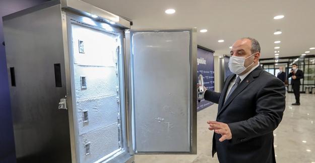 """Bakan Varank: """"Bu Buzdolabı 140 Bin Dozdan Fazla Aşıyı Saklayabilecek Kapasitede"""""""