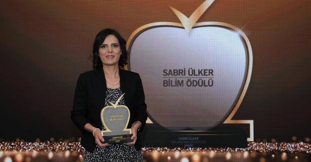 Sabri Ülker Bilim Ödülü'nün Bu Yılki Kazananı Doç. Dr. Elif Nur Fırat Karalar Oldu