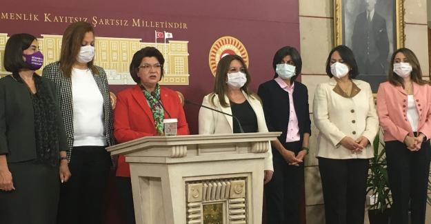 """CHP'li Kadın Milletvekilleri: """"Biz Kadınlar Ülkemizin Karanlığa Sürüklenmesine İzin Vermeyeceğiz"""""""