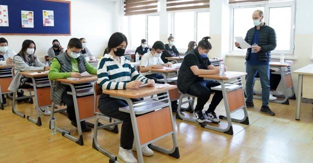 LGS'de 36 İlden 97 Öğrenci Tüm Soruları Doğru Yanıtlayarak 500 Tam Puan Aldı