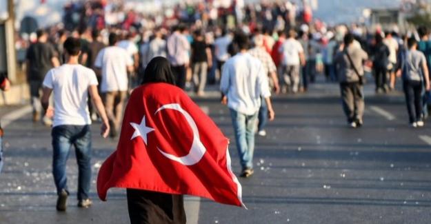 """Sağlık Bakanı Koca'dan 15 Temmuz Mesajı: """"Biz Ekmeğini Ve İstikbalini, Bayrağını Kutsal Bilenleriz"""""""