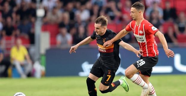 Galatasaray, Hollanda'da Dağıldı