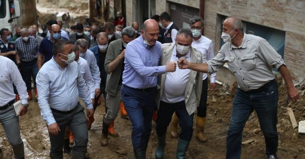 """Bakan Soylu: """"Var Gücümüzle Sel Felaketinin Yaralarını Sarmaya Çalışıyoruz"""""""