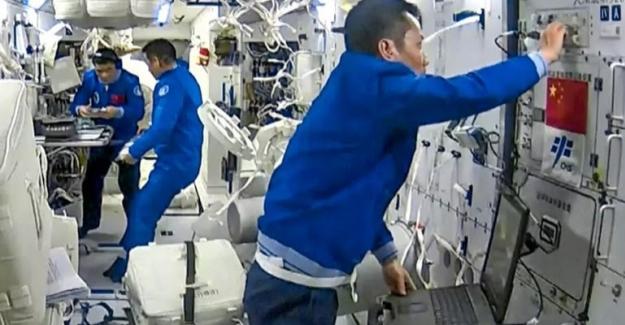 Astronotların Uzayda Günleri Nasıl Geçiyor?