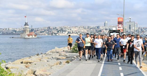 İstanbul'un En Keyifli Koşusu Her Pazar Üsküdar'da Önce Koşu, Ardından Boğaz Kıyısında Kahvaltı