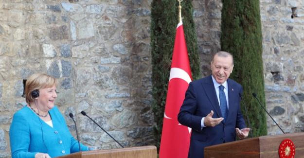Cumhurbaşkanı Erdoğan, Almanya Şansölyesi Merkel İle Ortak Basın Toplantısı Düzenledi