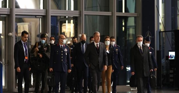 Millî Savunma Bakanı Akar, NATO Karargâhında İkinci Gün Oturumlarına Katıldı