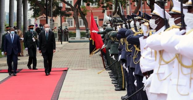 Cumhurbaşkanı Erdoğan, Angola Cumhurbaşkanı Lourenço Tarafından Resmî Törenle Karşılandı
