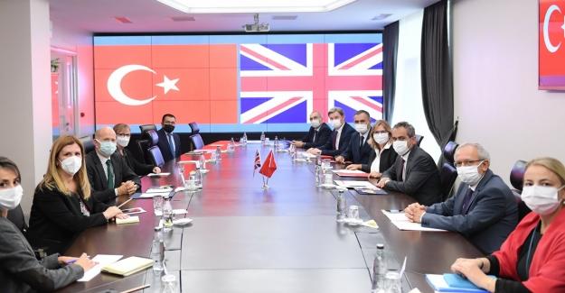 Millî Eğitim Bakanı Özer, İngiltere Ankara Büyükelçisi Chilcott'u Kabul Etti
