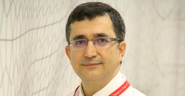 """Prof. Dr. Necmettin Akdeniz: """"Tırnak Tümörleri Tırnak Mantarıyla Karışabiliyor"""""""