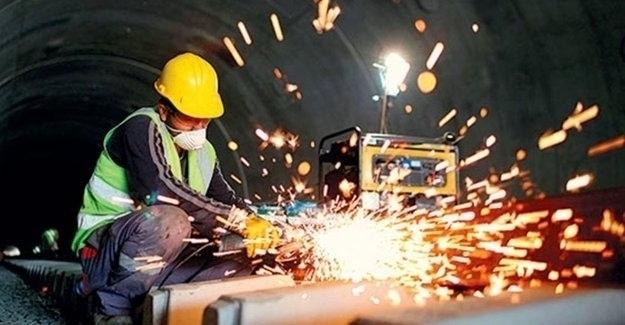 Sanayi Üretimi Aylık 5,4 Arttı