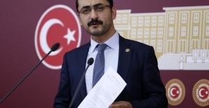 CHP'li Erdem Cumhurbaşkanı Erdoğan'ın Damadının Şirketinden Satın Alınan İHA'ları Meclis'e Taşıdı
