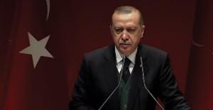Cumhurbaşkanı Erdoğan'dan Macron'a Sert Tepki: Arabuluculuk Lafı Haddini Aşan Bir Beyandır