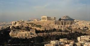 Yunanistan'da Nüfus Hem Azalıyor Hem De Yaşlanıyor