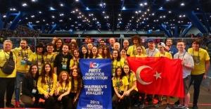 Türk Öğrencilerden Tarihi Başarı