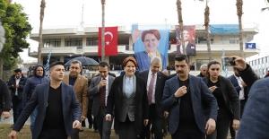 Akşener Antalya'da Esnafla Buluştu