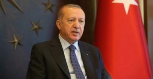 Cumhurbaşkanı Erdoğan, ABD Başkanı Trump'a Tıbbi Malzeme Yardımıyla Birlikte Mektup Gönderdi