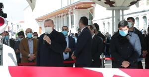 Cumhurbaşkanı Erdoğan Burhan Kuzu'nun Cenaze Törenine Katıldı