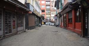 Kuşadası'nın Barlar Sokağı Yenileniyor
