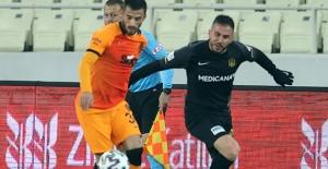 Galatasaray Turu İpten Aldı