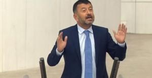 """CHP'li Ağbaba: """"Uzaya AKP Gidiyor, Şehidi Devlet Veriyor"""""""