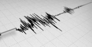 Ege Denizi'nde İzmir'in Karaburun ilçesi Açıklarında 4,1 Şiddetinde Deprem