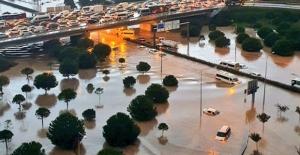 Sel Ve Su Baskınlarında Araç İçindekiler Nasıl Davranmalı?