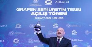 """Bakan Varank: """"Türkiye, Grafeni Seri Üretebilen 10 Ülkeden Biri Konumunda"""""""