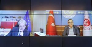 Bakan Pekcan, AB Ekonomi Komiseri Gentiloni İle Görüştü