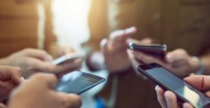 Çin'de Şubatta Satılan Cep Telefonu Sayısı Yüzde 240 Artış Gösterdi