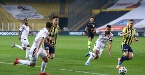 Gençlerbirliği, Kadıköy'de Fenerbahçe'yi Mağlup Etti