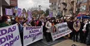 """Kuşadalı Kadınlardan """"İstanbul Sözleşmesi'nin Feshedilmesine"""" Protesto"""